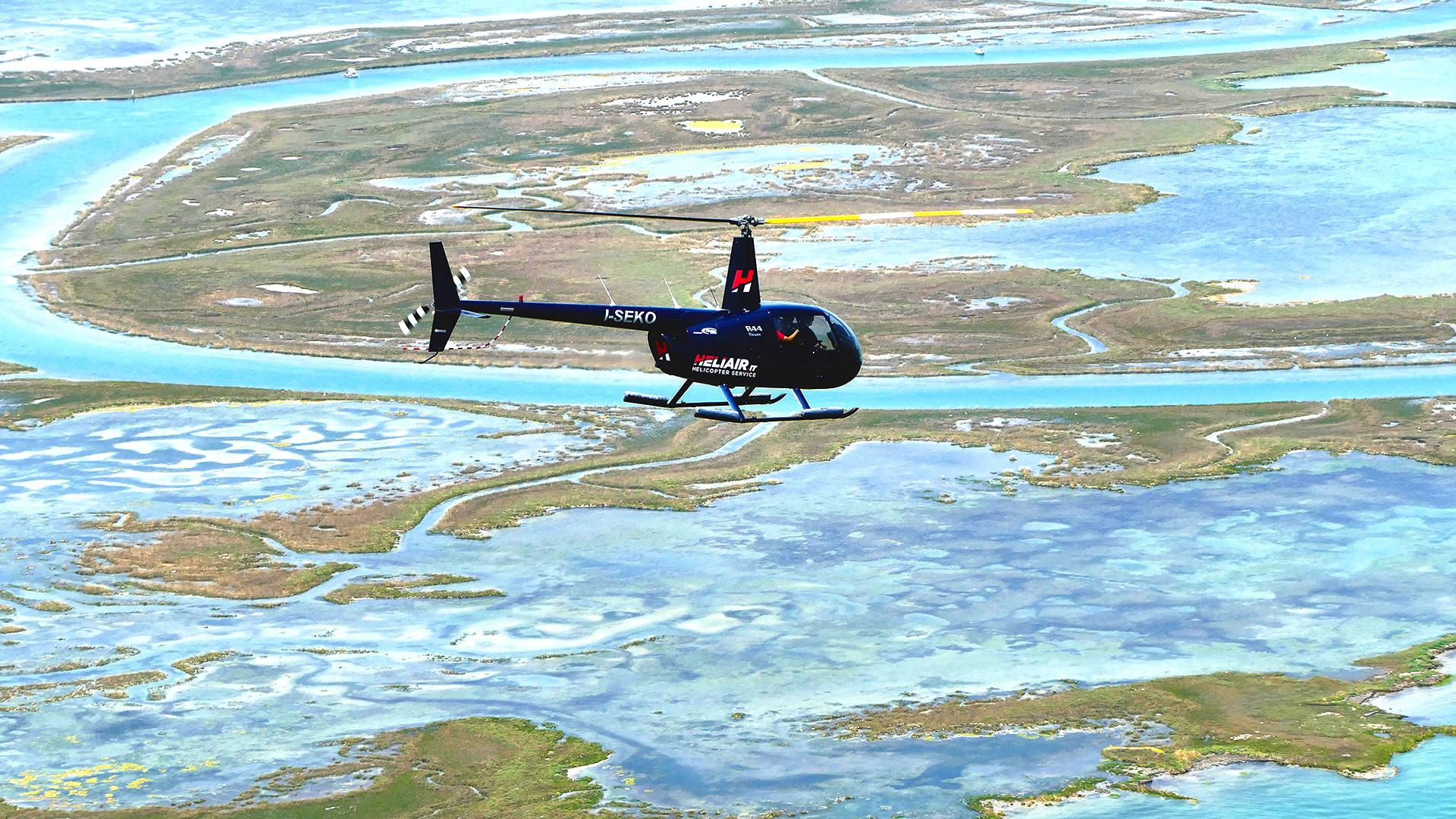 Elicottero Venezia : Heliair tour in elicottero a venezia